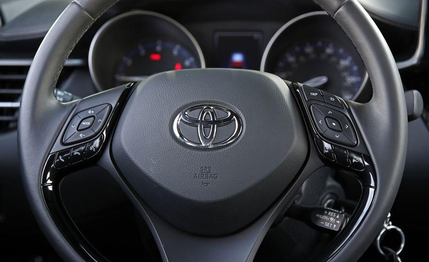 2018 Toyota C-HR - Slide 47