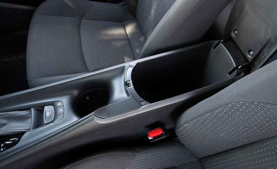 2018 Toyota C-HR - Slide 58