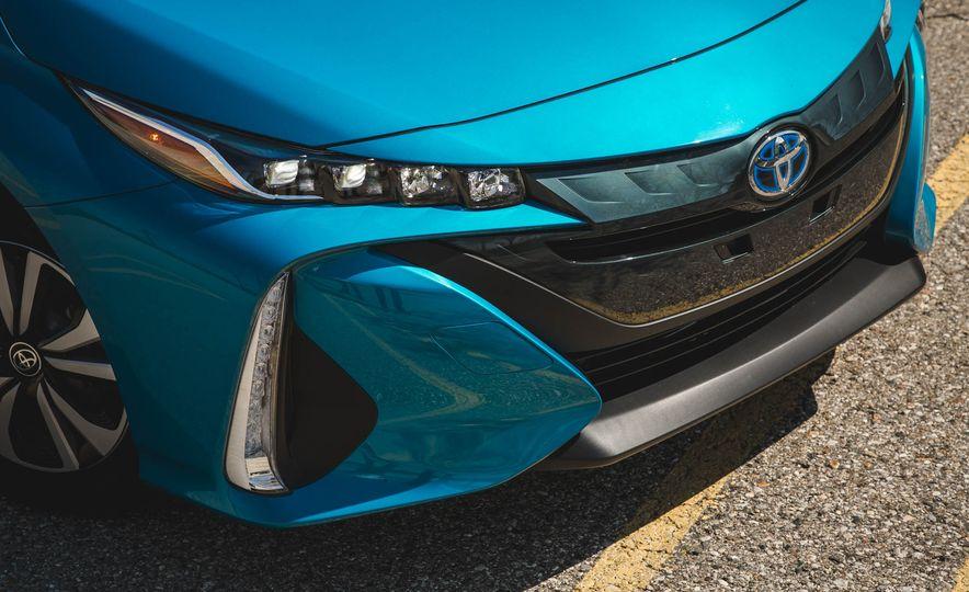 2017 Toyota Prius Prime - Slide 16