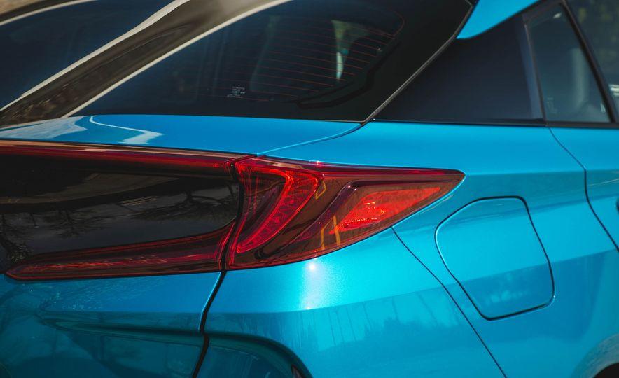 2017 Toyota Prius Prime - Slide 24
