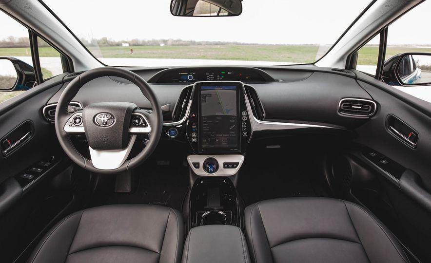 2017 Toyota Prius Prime - Slide 33