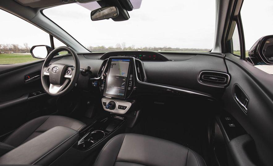 2017 Toyota Prius Prime - Slide 32
