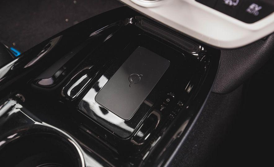 2017 Toyota Prius Prime - Slide 46