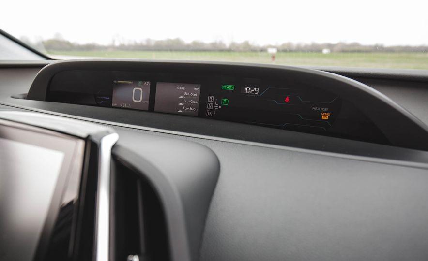 2017 Toyota Prius Prime - Slide 40