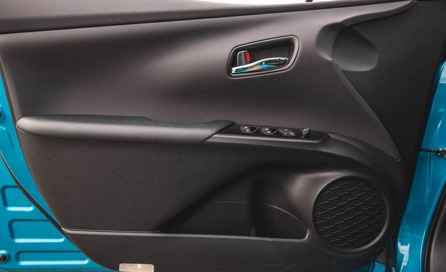 2017 Toyota Prius Prime - Slide 37
