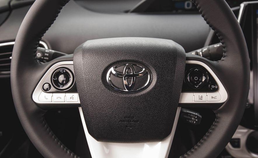 2017 Toyota Prius Prime - Slide 34