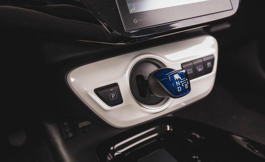 2017 Toyota Prius Prime - Slide 43