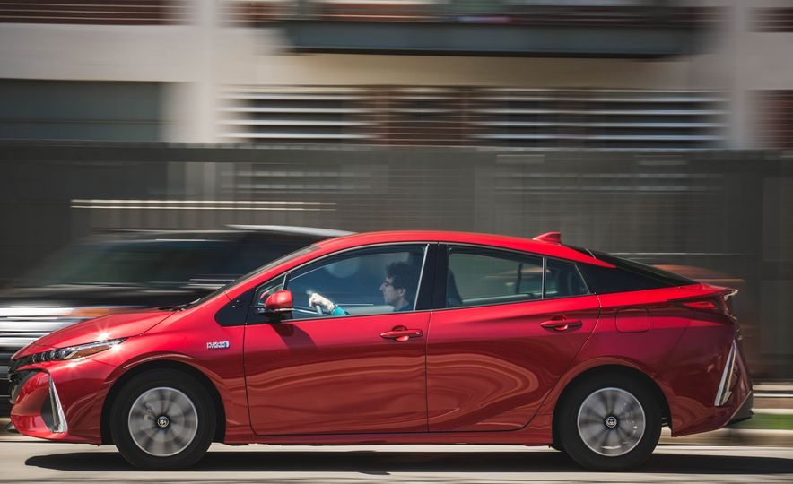 2017 Toyota Prius Prime - Slide 74