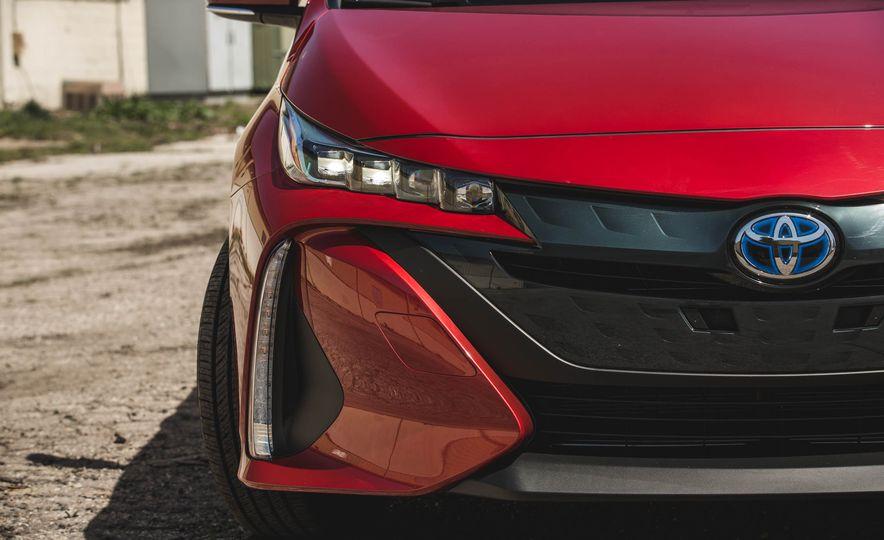 2017 Toyota Prius Prime - Slide 81
