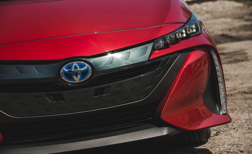 2017 Toyota Prius Prime - Slide 82