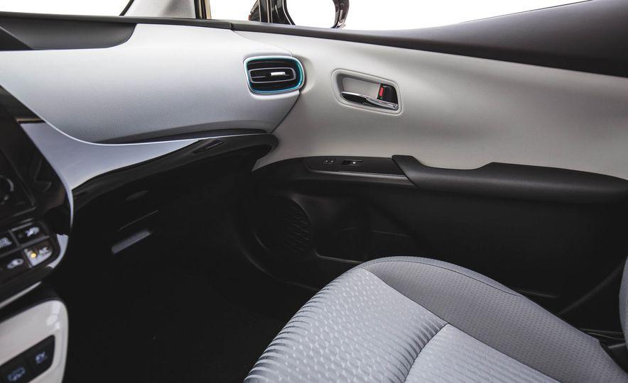 2017 Toyota Prius Prime - Slide 102