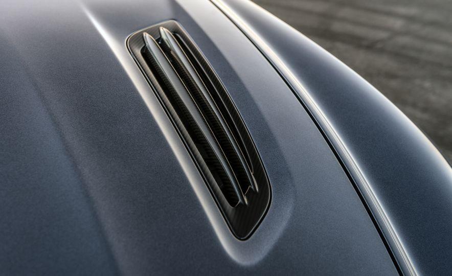 Aston Martin Vanquish Zagato family - Slide 12