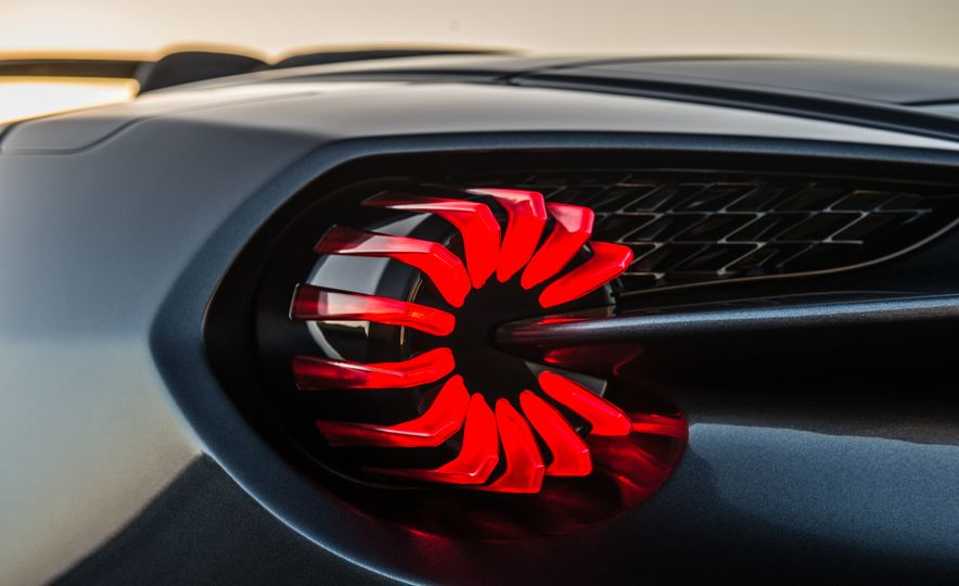 Aston Martin Vanquish Zagato family - Slide 17