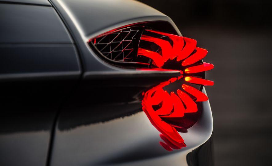 Aston Martin Vanquish Zagato family - Slide 18