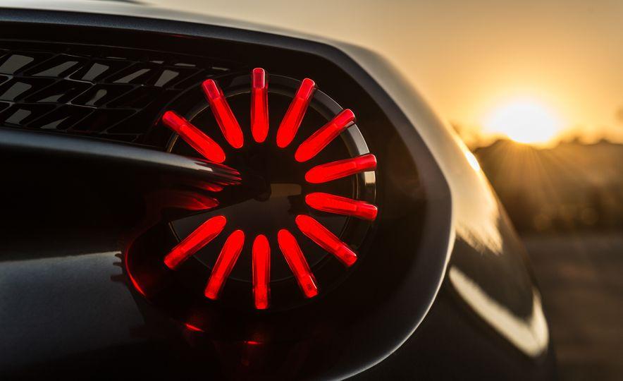 Aston Martin Vanquish Zagato family - Slide 19