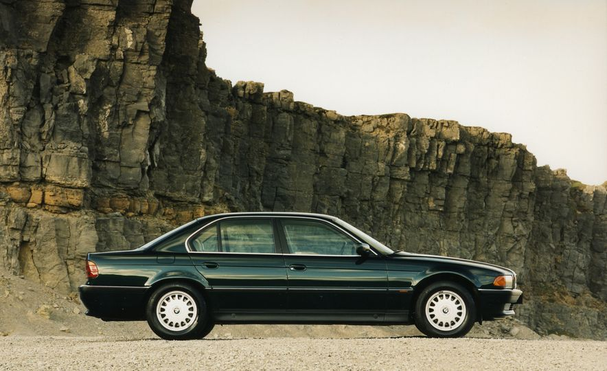 40 Years of the BMW 7-series - Slide 8