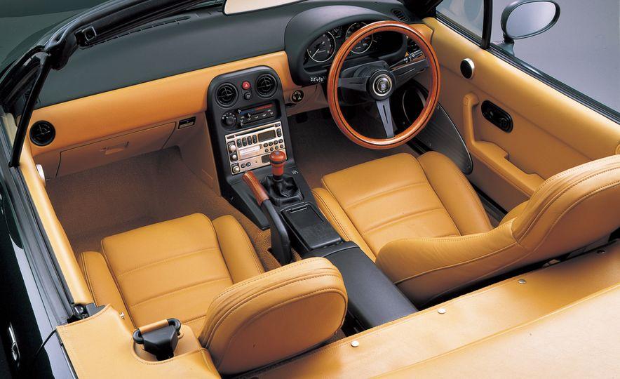 Mazda MX-5 Miata - Slide 3