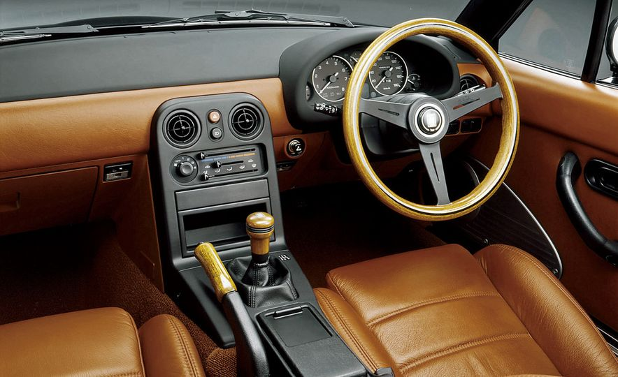 Mazda MX-5 Miata - Slide 4