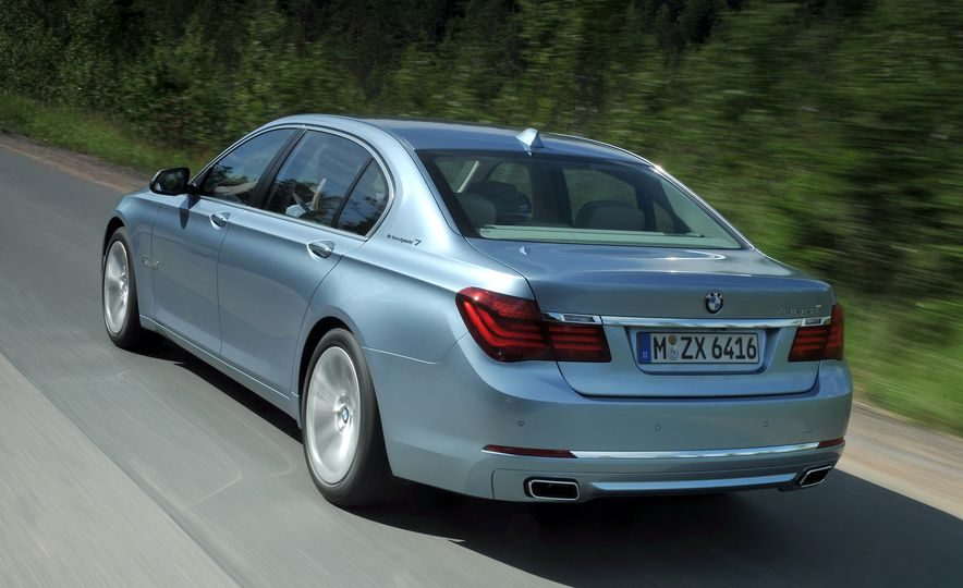 40 Years of the BMW 7-series - Slide 16