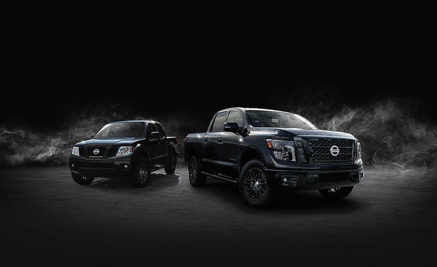 Nissan Titan Midnight Edition - Slide 7