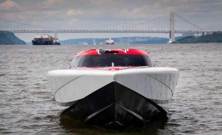 Hooning the Hudson: We Take Manhattan in a 2700-HP Speedboat