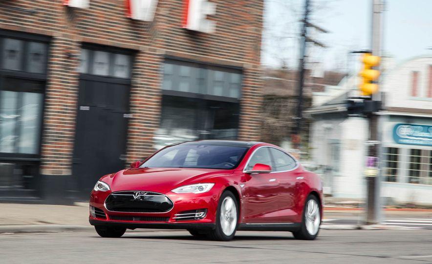 2015 Tesla Model S - Slide 1