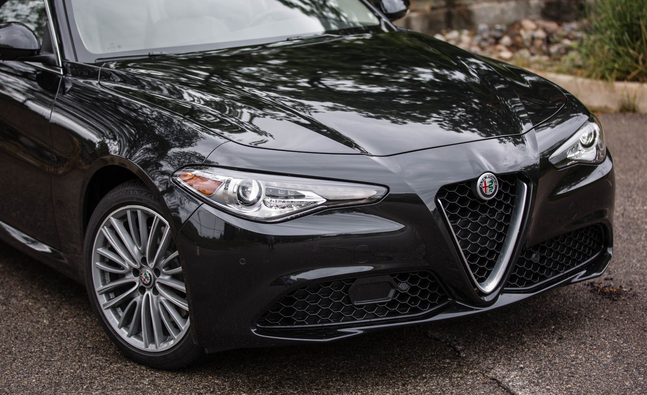 Alfa Romeo Giulia Reviews | Alfa Romeo Giulia Price, Photos, and ...