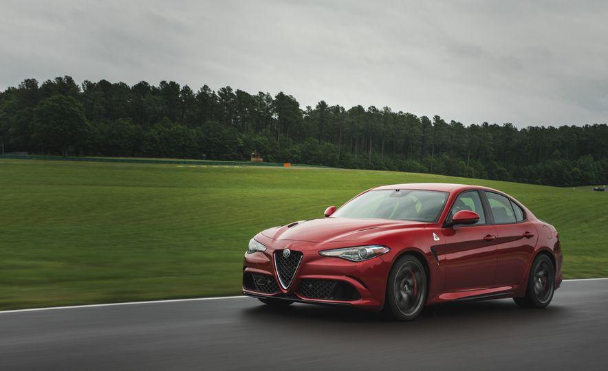 2017 Alfa Romeo Giulia Quadrifoglio - Slide 4