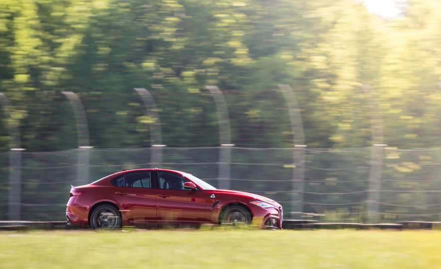 2017 Alfa Romeo Giulia Quadrifoglio - Slide 21