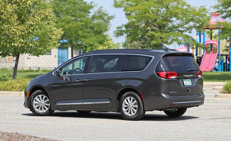 2017 Chrysler Pacifica - Slide 86