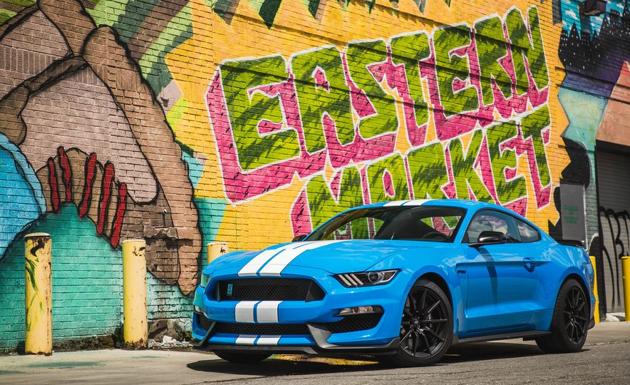 2017 Ford Mustang Shelby GT350 - Slide 16