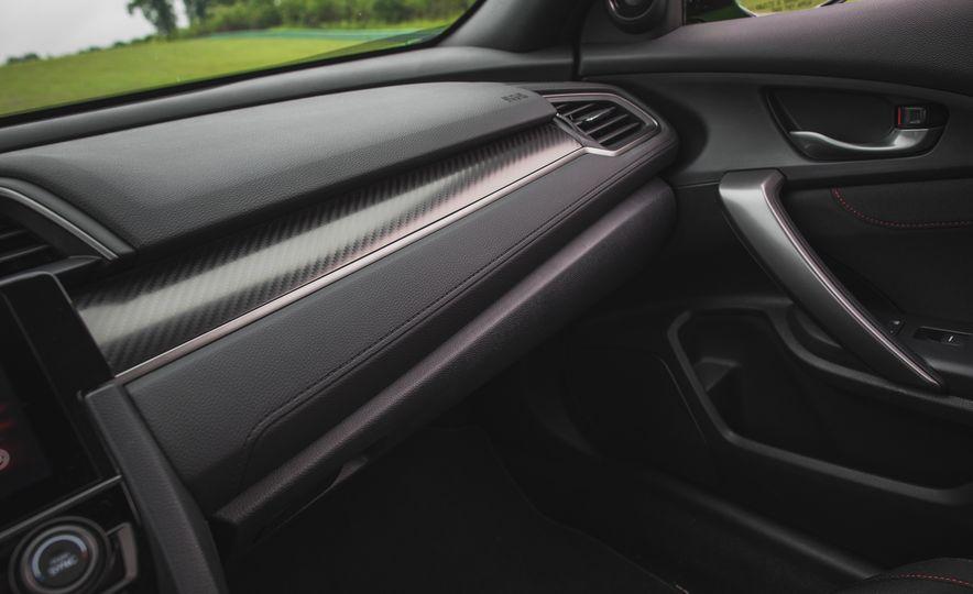 2017 Honda Civic Si coupe - Slide 58