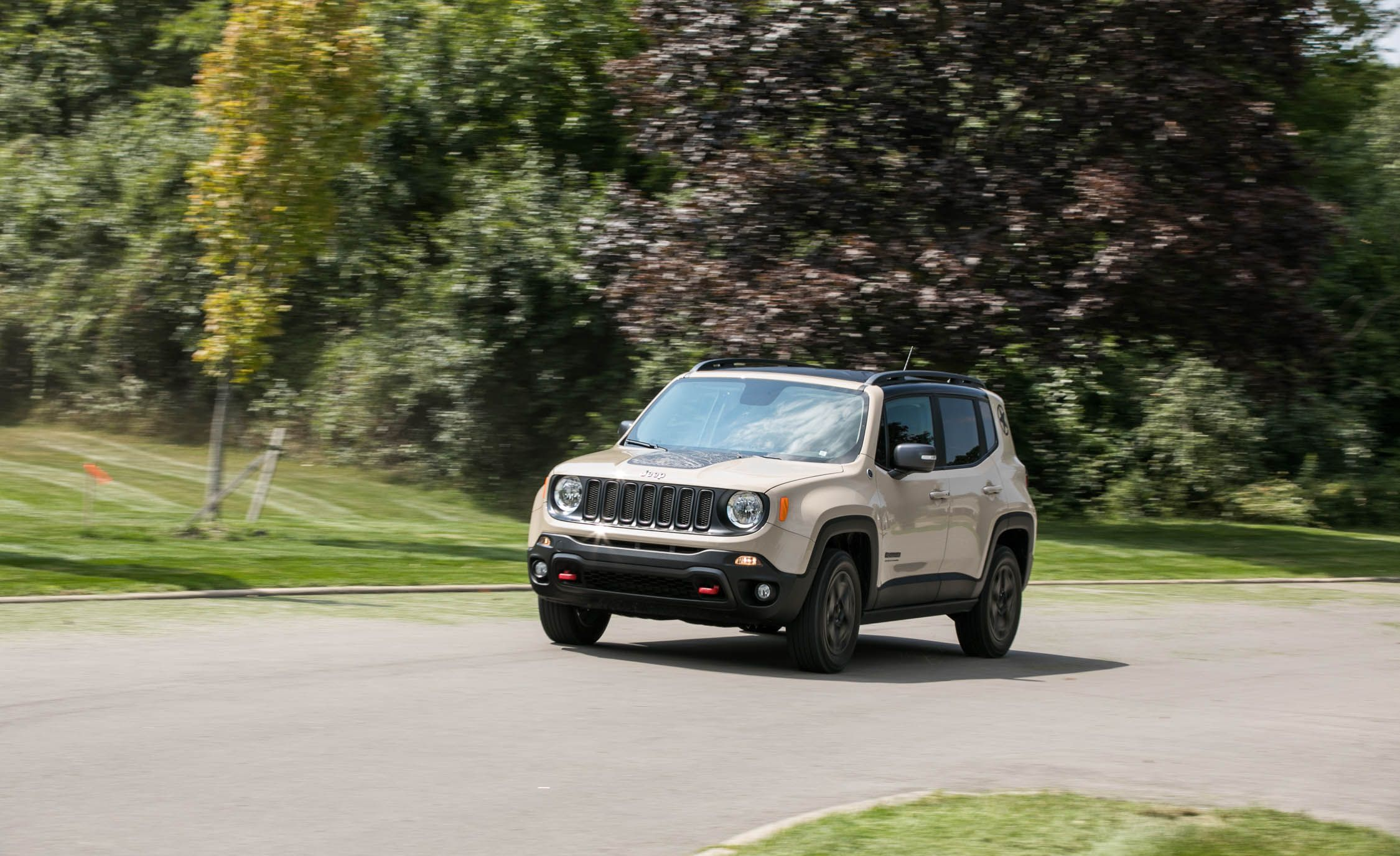 2017 jeep renegade pictures photo gallery car and driver. Black Bedroom Furniture Sets. Home Design Ideas