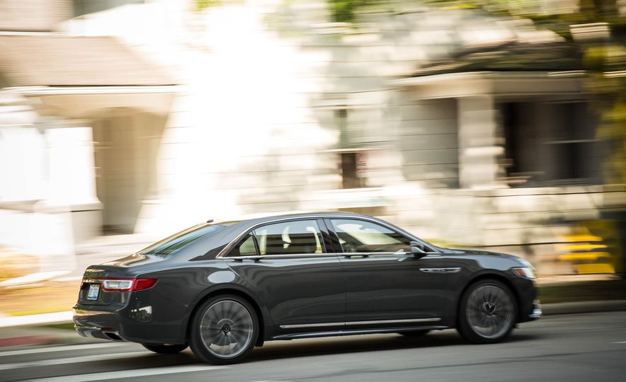 2017 Lincoln Continental - Slide 6