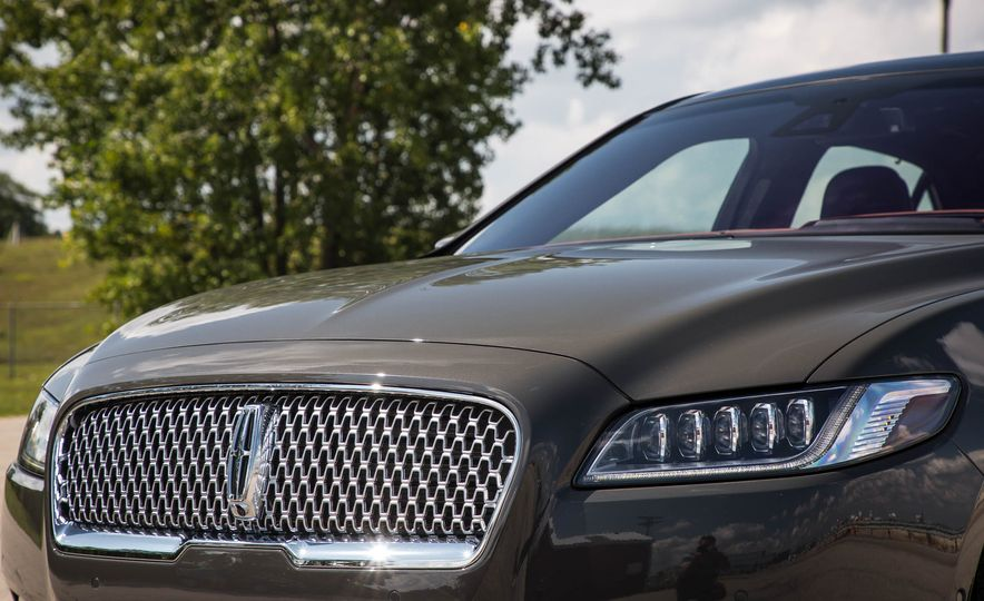 2017 Lincoln Continental - Slide 12