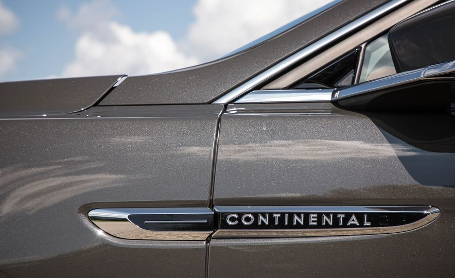 2017 Lincoln Continental - Slide 16