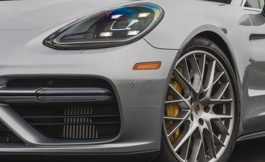 2017 Porsche Panamera Turbo - Slide 11
