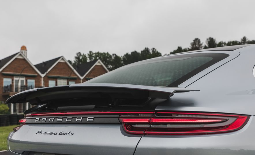 2017 Porsche Panamera Turbo - Slide 16