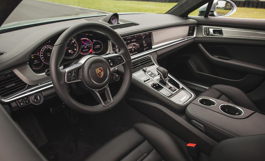 2017 Porsche Panamera Turbo - Slide 22