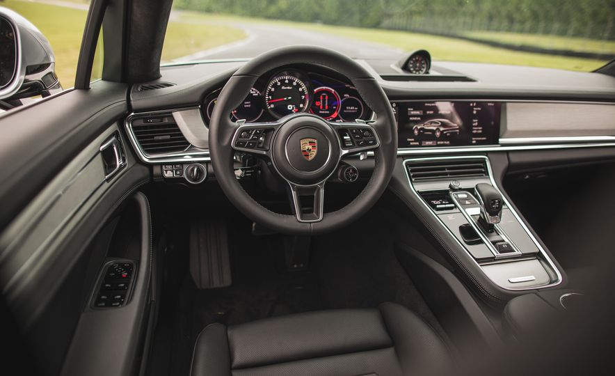 2017 Porsche Panamera Turbo - Slide 36