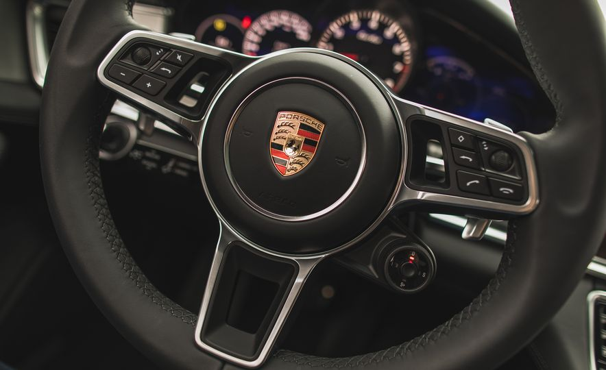 2017 Porsche Panamera Turbo - Slide 38