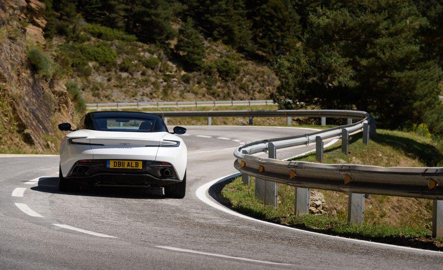 2018 Aston Martin DB11 V-8 - Slide 5