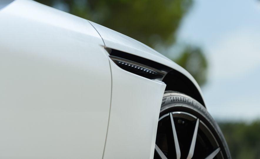 2018 Aston Martin DB11 V-8 - Slide 27