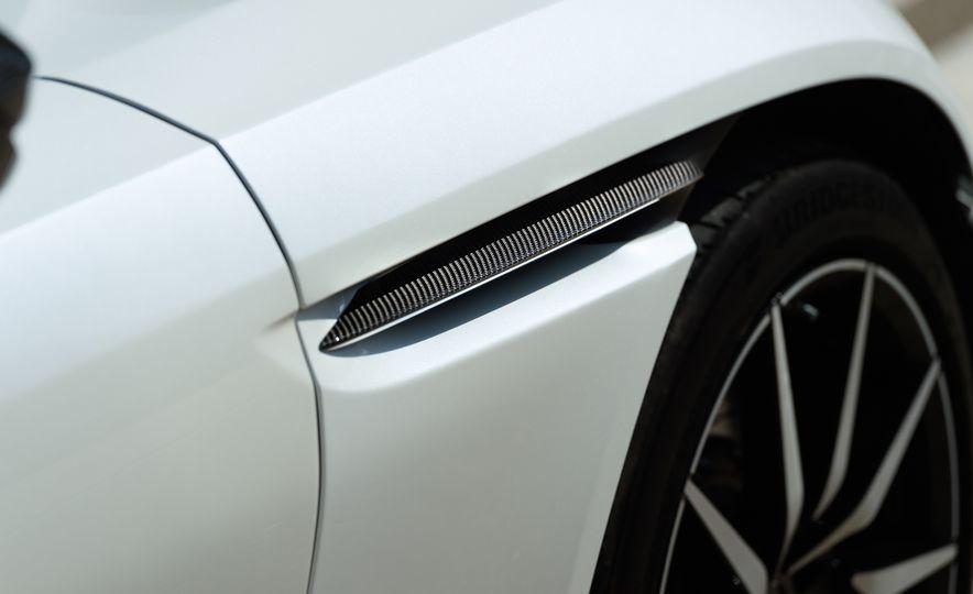 2018 Aston Martin DB11 V-8 - Slide 28