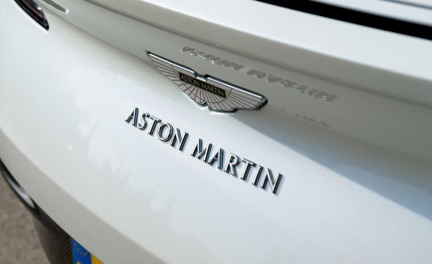 2018 Aston Martin DB11 V-8 - Slide 34