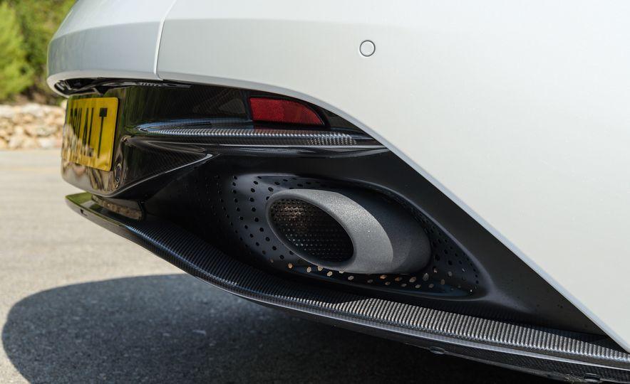 2018 Aston Martin DB11 V-8 - Slide 35