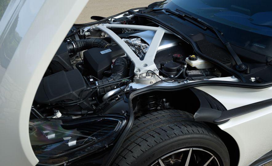 2018 Aston Martin DB11 V-8 - Slide 40
