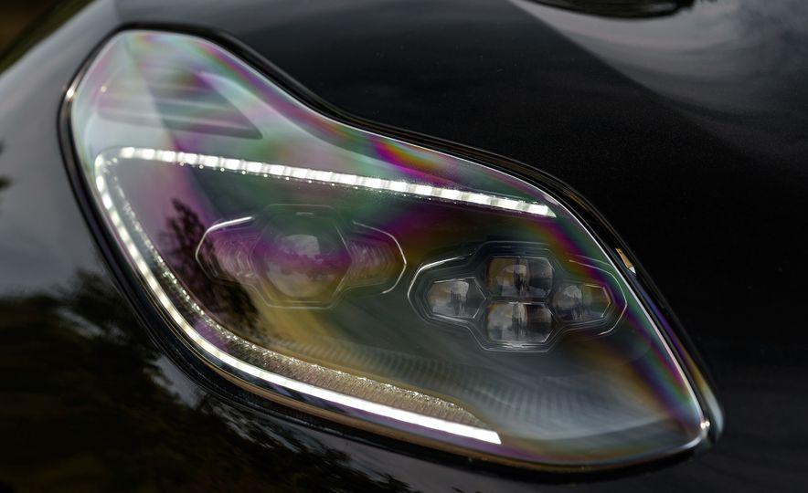 2018 Aston Martin DB11 V-8 - Slide 73