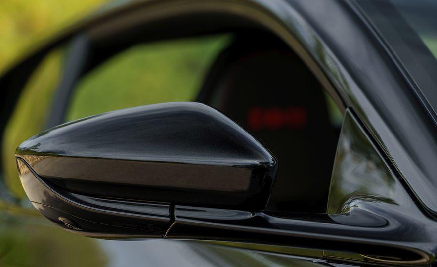 2018 Aston Martin DB11 V-8 - Slide 78