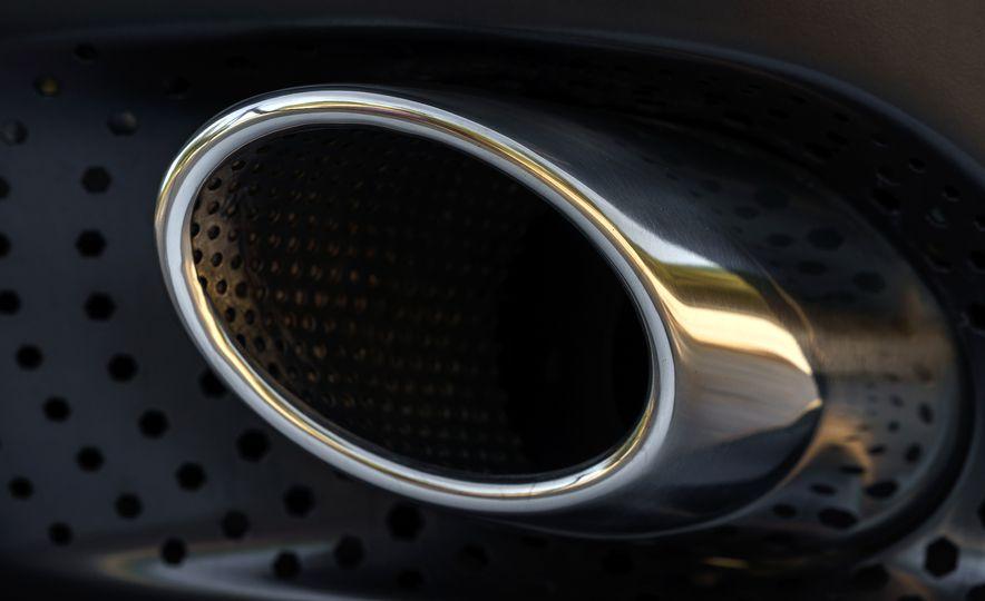 2018 Aston Martin DB11 V-8 - Slide 127